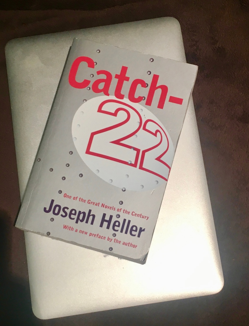 2016 Reading Challenge, Book 32, Catch 22